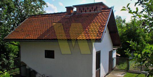 DUGO SELO Obiteljska kuća