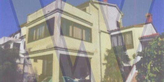 Pićan Kuća i pomoćni objekt