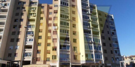 2 dvosobna stana u Splitu (IV. i VI kat)