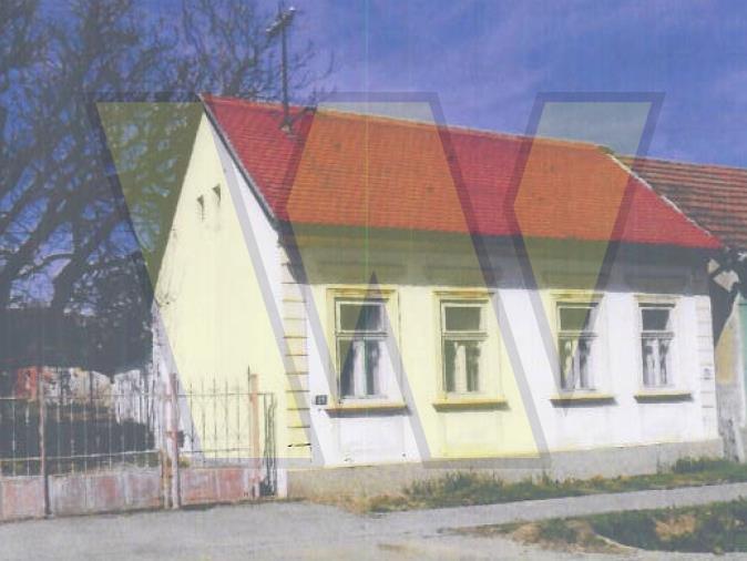 Orahovica obiteljska kuća