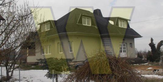 Velika Buna Kuća, dvorište i oranica