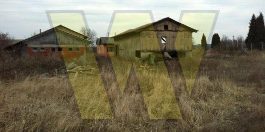 Orahovica zemljište sa poslovnim objektima